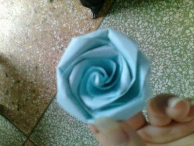 One kind of Lifelike Rose Origami