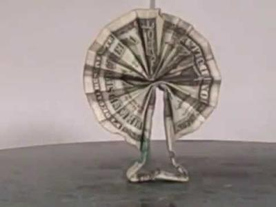 Origami dollar lei