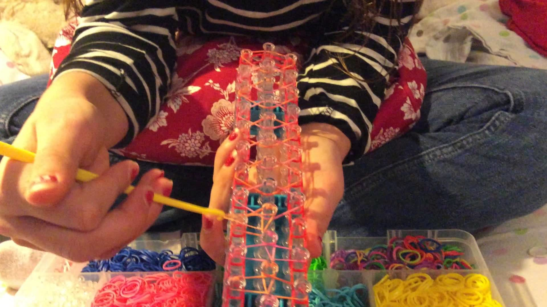 "How to make a ""Slip Knot"" bracelet on the Rainbow Loom"