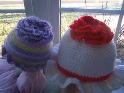 How to Crochet a Baby Girls Flower Hat