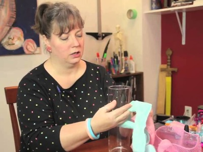 How to Make a Cylinder Vase Centerpiece : Cute Crafts