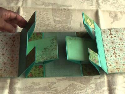 Scrapbooking Mariposa Tri-Shutter Mini Album