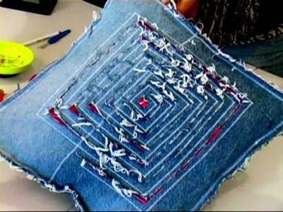 Make a recycled cushion 2.4 (denim DIY)