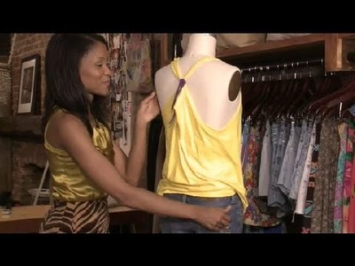 How to Reconstruct a T-Shirt : Fashion Advice