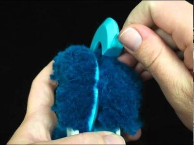 [KnitFreedom] 30-Second Stop Motion Vid - How to Make a PomPom with a Clover Pompom Maker