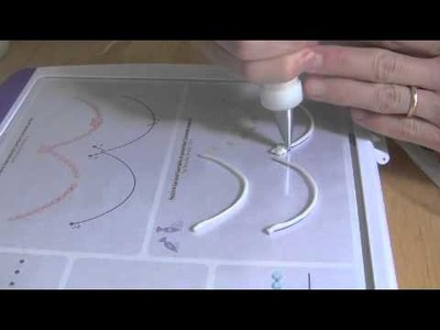 Cake Decorating Piping Techniques: How to Make Bead Garlands