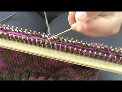 Knitting Decrease Stitches Evenly : Knitting loom, How to Knit the Ray of Honey Stitch {For the Loom}, Sewn Bind Off