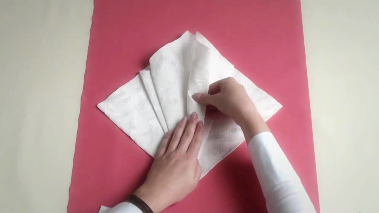 Napkin folding from Duni - Flower