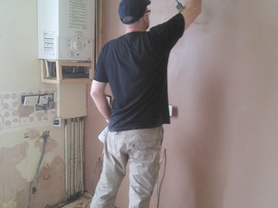 DIY: How to plaster a wall. How to skim a wall. How to plaster window reveals