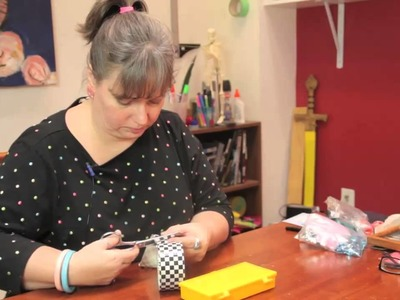 How to Decorate a Plastic Container : Cute Crafts