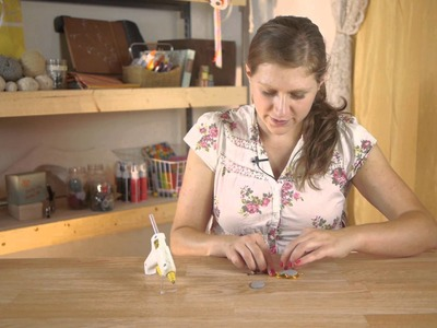 How to Take a Brooch & Turn It Into a Hairpiece : Assorted Craft Projects