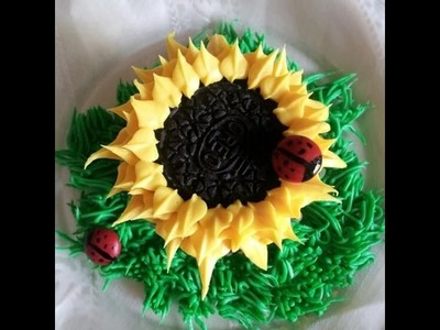 Wonderful DIY Sunflower Cupcakes - Tutorial .