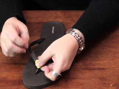 How to Put Designs on Flip Flops : Various Decorative Crafts