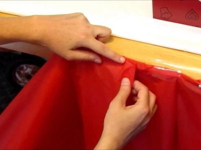 DIY inexpensive ruffle table cloth for Radio Flyer birthday party!