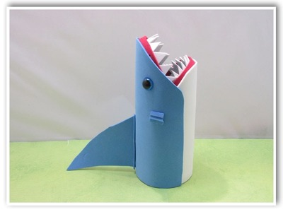 Easy Shark Back to School Pencil Holder or Vase DIY for Shark Week!