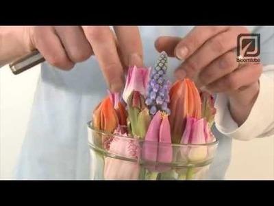 Floral Easter table decoration! Bloomtube DIY