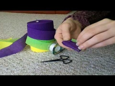 How to Make a Woven Crepe Paper Streamer Garland
