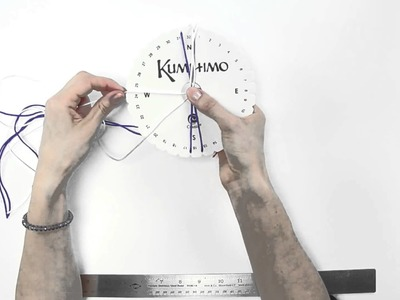 How to use a round Kumihimo board