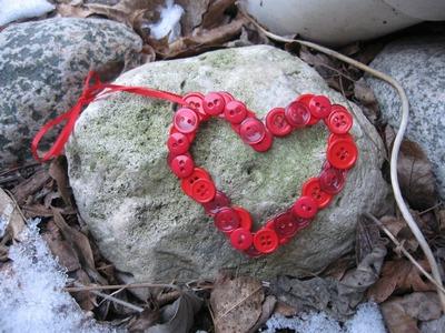Valentine's Day Button Heart Craft Tutorial