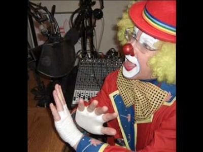 B Good Joke Board Clown Talk Radio Memory Craft Car Shade Easy.wmv