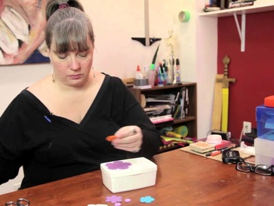 How to Decorate a Wipes Box : Various Decorative Crafts