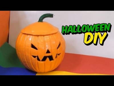 DIY halloween decoration with recycled materials - how to make a pumpkin with newspaper