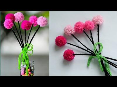 Diy pom pom flowers. wool flowers. Easy home decor. diy showcase flowers. Diy vase flowers
