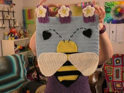 Episode 41:  Finished Shawl, a Polar Bear & a Bee