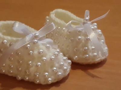 How to crochet  a newborn baby booties.The Crochet World