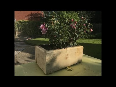 How to make a wooden planter box - Quick and easy DIY woodwork project.