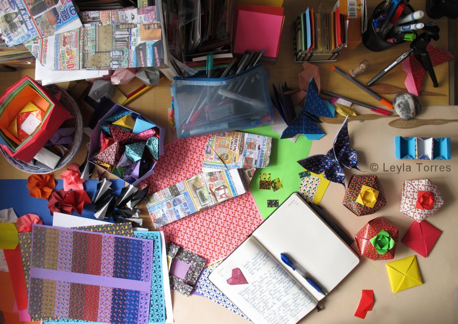 Leyla's Origami Table 2013 :: La mesa del origami