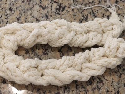 Dyepot Weekly #58 - Dip Dyeing a Crochet Chain of Crochet Chains for a Repeating Colorway