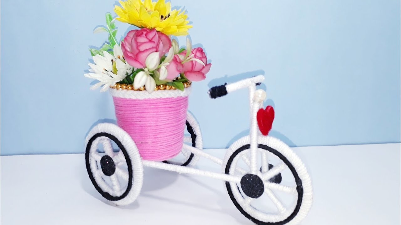 WOW ! Beautiful Decorative Woolen Tricycle Flower Basket at Home | Handmade Art and Craft