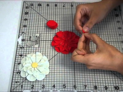 A Trimweaver Idea: Making a Flower using Felt Rounds