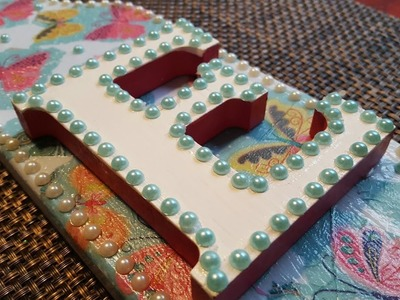 UPCYCLED CUTTING BOARD | DECOUPAGE GIFT IDEA