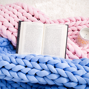 Tube yarn blanket