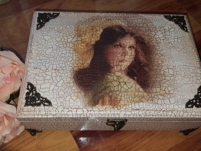 Decoupage and other technics-Decoupage box with crackle and rice paper