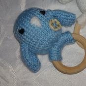 Hand knitted little bird teethong ring