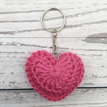 Make Puff Stitch Flowers Through Kroshiya Work For Your