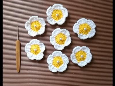 Simple Crochet Flower Tutorial for Beginners, Double Crochet,  Yarn - KHOUZH