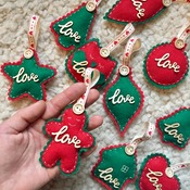 LOVE Collection Reds & Greens 10piece Christmas decoration