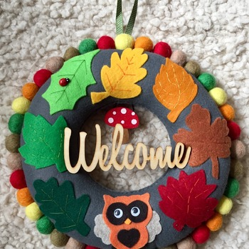 Autumn inspired Welcome felt Leaf Wreath with cute Owl
