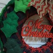 Lovely felt Christmas Ilex Poinsettia Wreath MERRY CHRISTMAS