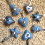 Mixed felt christmas decorations  x8 pieces traditional shapes&colours