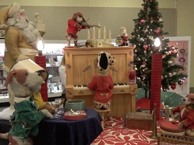 Tour of Christmas Decorations at the Golden Glow of Christmas Past 2018