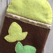 Mobile phone case - iphone6 size Felt soft smart phone case Nature's leaves and cute Foxy