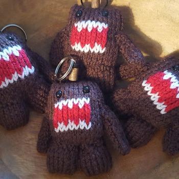Knitted domo kun keyring