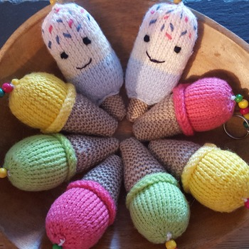 Knitted ice cone and lolly keyrings