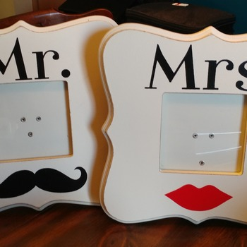 Newlywed Mr. & Mrs. Frames