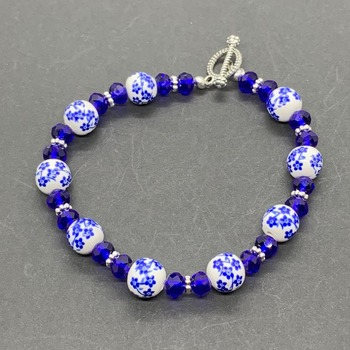 Blue Flower Bead and Blue Faceted Bead Bracelet